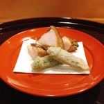 味享 - トコブシ唐揚げとミニオクラの天ぷら