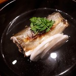111549976 - 鮎 枝豆胡麻豆腐のお椀 京味は昆布の味がしっかりしている