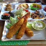 お食事処うおよし - 料理写真:海老フライ定食 1300円(デザートコーヒー付)