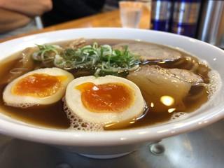 麺饗 松韻 - 正面縁