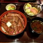 111558464 - ビフテキ丼