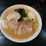 らぁめん大王 - 料理写真:味噌チャーシューメン(¥800)+煮玉子(¥100)