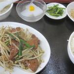 美食苑 - レバーニラ炒め定食¥680@'11.11.下旬