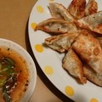 十八番中国料理店 - 料理写真:餃子3人前♪