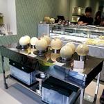 Kabou merontoroman - 一階販売スペース