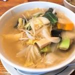 中華風食堂 HANA - 野菜たっぷりそば(950円)