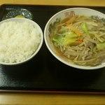 マルマ食堂 - チャンポン500円とライス200円