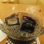 ケーキの西銀 - スッキリした味わいのアイスコーヒー