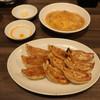 ギョウザ オウショウ - 料理写真:餃子/ダブル玉子の天津飯
