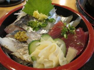 すし処ひしの木 - 「4種丼」(1,000円)