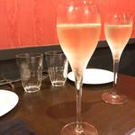 wine bistro apti. -