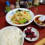 111581214 - 野菜炒め定食 700円!