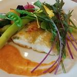 飯能美肌イタリアンレストラン イーズパッション - 白身魚のオーブン焼き(メイン)です