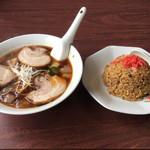 味覚 - アリランチャーシュー麺と半チャーハン