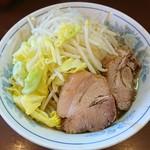 111591983 - ラーメン 麺少なめ 750円  ※コール→野菜、脂