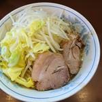 111591987 - ラーメン 麺少なめ 750円  ※コール→野菜、脂