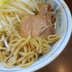 111591991 - ラーメン 麺少なめ 750円  ※コール→野菜、脂