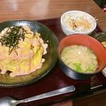 とり元 - オムライス 明太マヨソース 700円