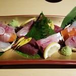 越後酒房 八海山 - お薦めの鮮魚盛合せ(5種)(2000円)