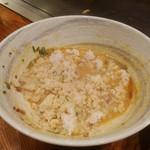 鉄板居酒屋 昇 - 担々麺のスープにごはん投下