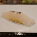 九段下 寿司政 - 白烏賊 (握り)