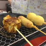 串カツ 一品 AI - ¥100の串をいくつか食べましたよ