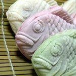たい焼きのえびす庵 - 白鯛(奥) 桜鯛(中) 絹鯛(手前) ※絹と桜は初期のメニューのようで2013年9月にはありませんでした