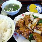 小笹飯店 - 一番人気のとりみそ定食600円。