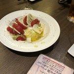 肉×チーズ×個室 米蔵 - カプレーゼ❣️