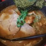 北海道らーめん 奥原流 久楽 - 料理写真:赤味噌 850円