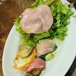 リンシエメ - 料理写真:前菜とサラダの盛り合わせ 600円