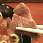 海部のうどん - 甘辛く煮られたまぐろ肉