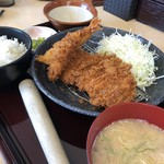 かつふじ - 料理写真:海老ロースカツ定食 1/2