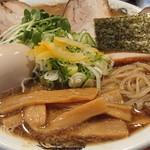 麺屋 にぼすけ - 料理写真:特製濃豚煮干そば(大)。