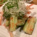酒菜と炭 てりや - 料理写真:たたきキュウリの梅肉サラダ 650円