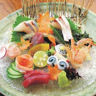 【季節の鮮魚】その日仕入れた海鮮を使用した魚料理の数々