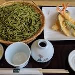 小松庵 総本家 - [料理] 抹茶切り蕎麦 海老天付き 全景♪W
