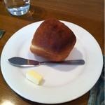11162616 - 【1600円のランチコース】 パン
