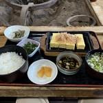 いろり - 焼きどうふ定食 1296円