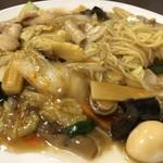 台湾料理 幸楽園 - 五目あんかけ焼きそば 680円