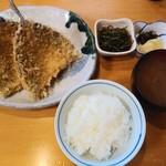 魚佐 - 料理写真:アジフライ定食1,200円全景