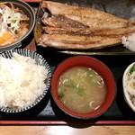 ichiyaboshitokaisendondekitateya - ほっけ定食+肉どうふ♡