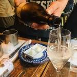 博多炉端 魚男 - 日本酒をグラスで注文!
