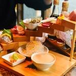 博多炉端 魚男 - お刺身階段盛合せ(1人前1,380円)