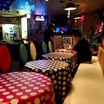 Mirukumura - テーブル席(開店直後)