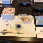 懐石宿水鳳園 - 料理写真:先付けと前菜