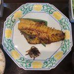 111646318 - 週替わり定食(赤魚西京焼き) ¥850 の赤魚西京焼き