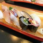 伊豆太郎 - 近海地魚にぎり