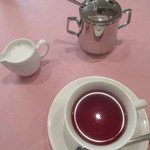レストラン西櫻亭 - 鮮やかな色の紅茶