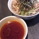 波留乃屋 赤坂店 - 名物肉そば中盛300g(770円)②
